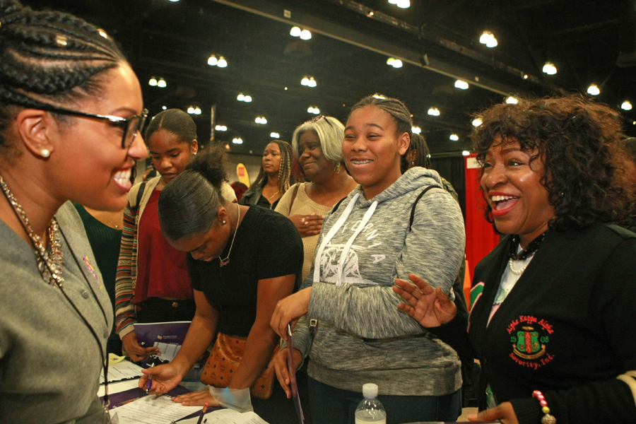 Mu Lambda Omega and ASCEND Students Attend Black College Expo