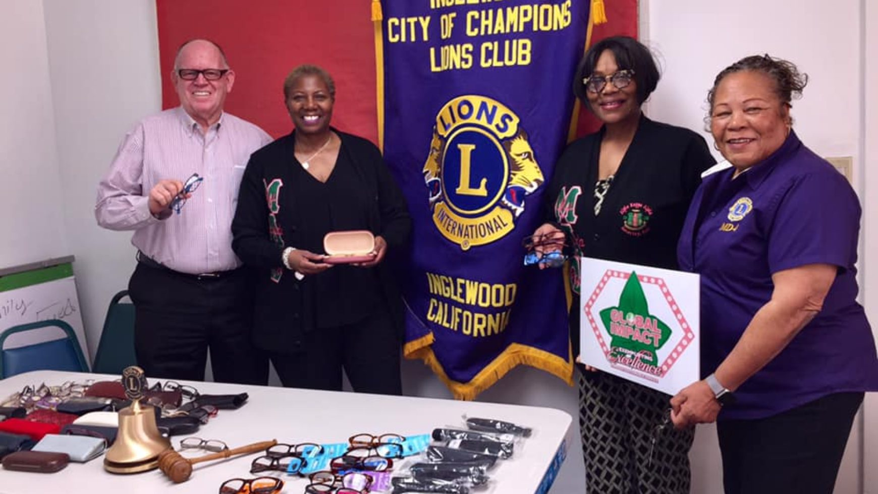 MLO Donates Eyeglasses to Lions Club