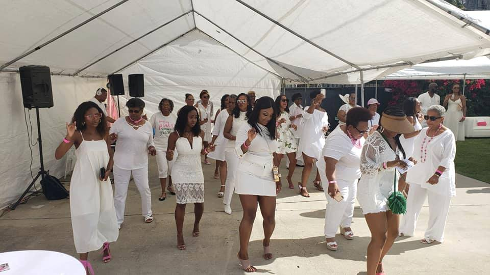 The White Day Party With A Splash Of Pink